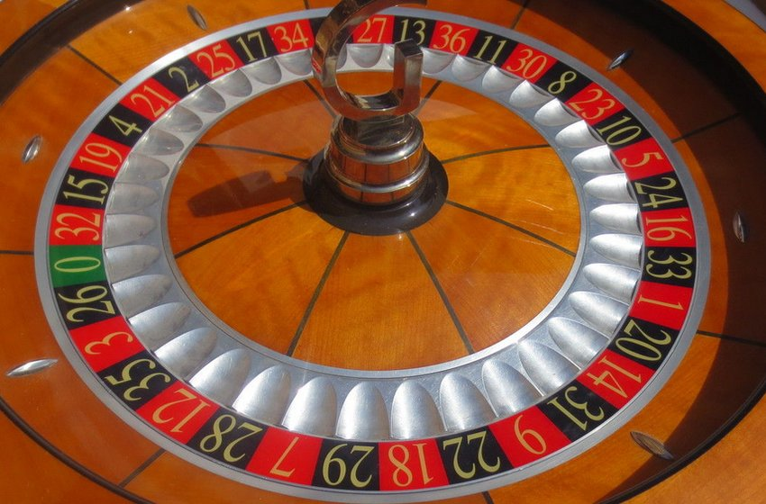 Scalloped Roulette Wheel